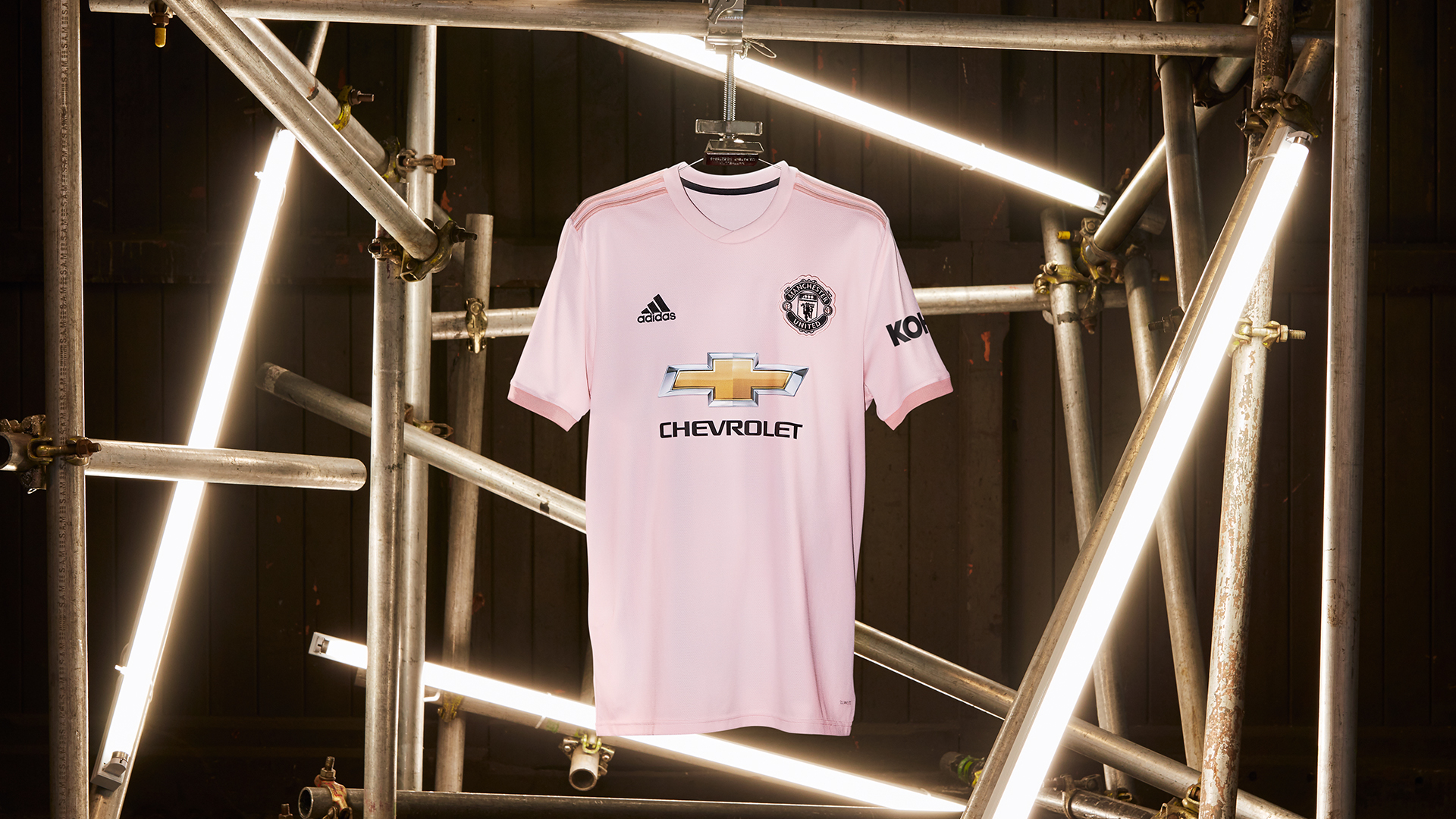 pretty nice 9c0ac 4d406 Manchester United Football Shirt Size Guide